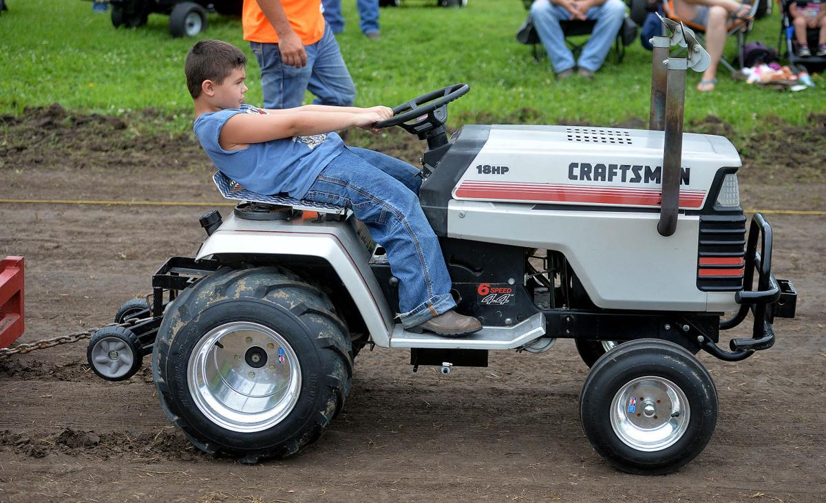 Tractor Pull Shows Mowers Aren T Just For Lawns Local News