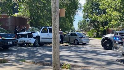 One injured and one arrested after traffic crash