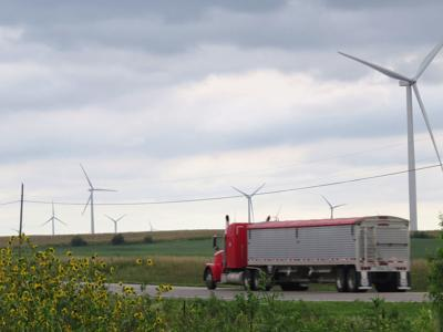 Wind turbines near Stewartsville, Missouri