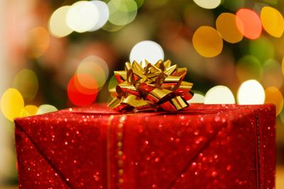 giving holiday gifts dont have to drain a college students bank account - Christmas Gift Ideas For College Students