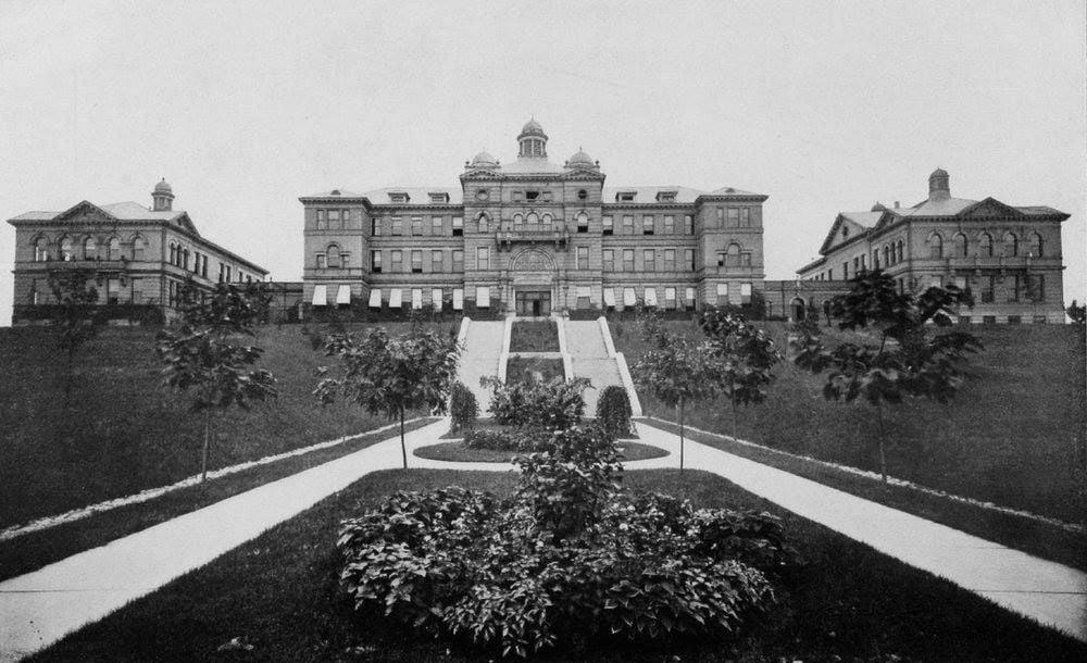Original McMicken Hall pre1947 : John Snyder FB.jpg