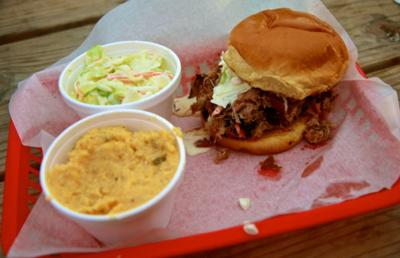 Eli S Barbeque Offers Satisfying Inexpensive Food Life And Arts