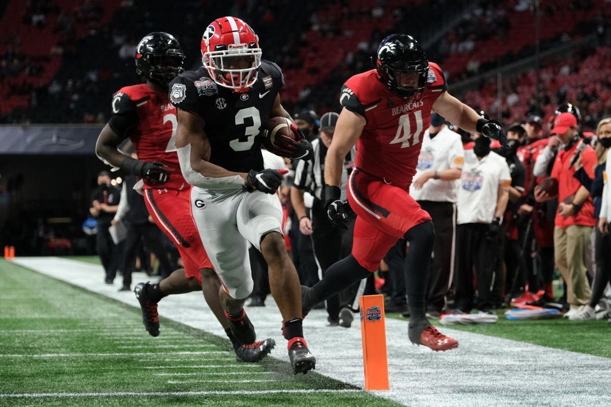 Georgia defeats UC in Peach Bowl; Bearcats finish season 9-1