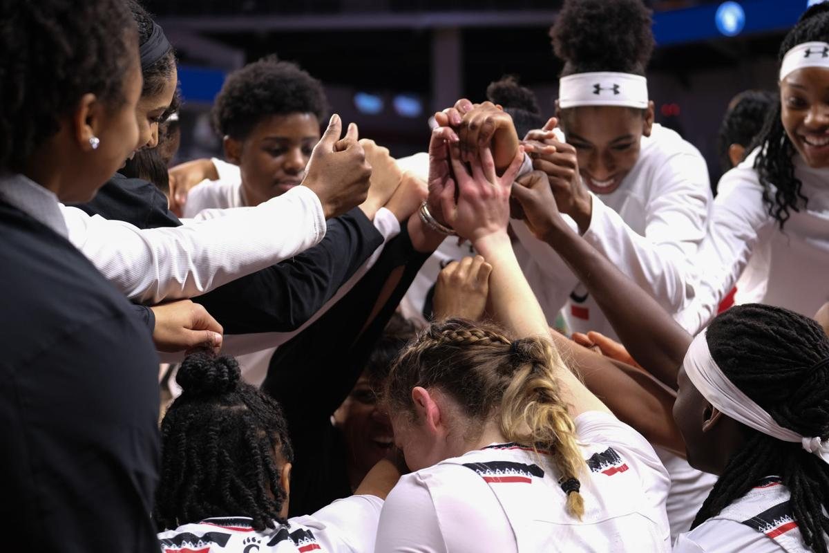 Highlights from Senior Day victory - UC women's basketball