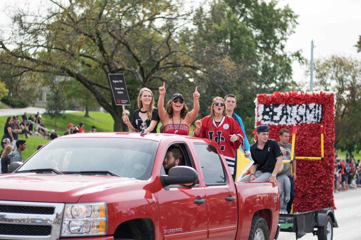 Homecoming 2017 parade and tailgate