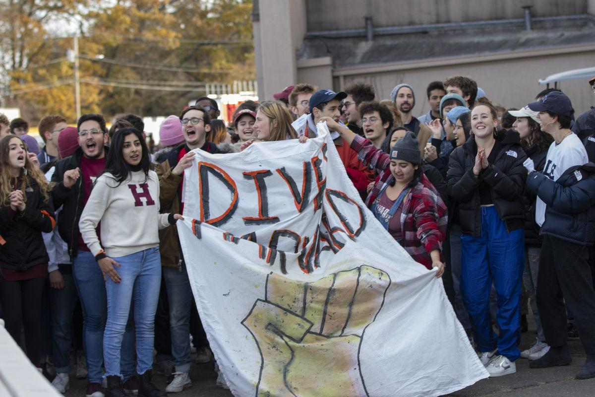 Harvard-Yale protest (1 of 2)