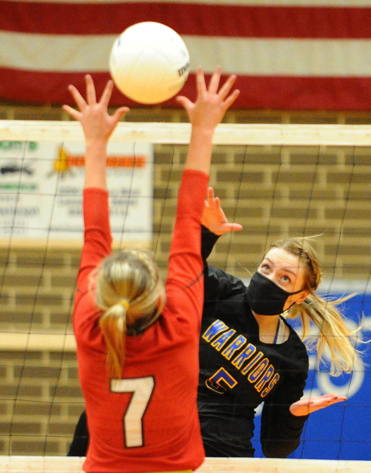 Warriors upend Panthers in rivalry battle
