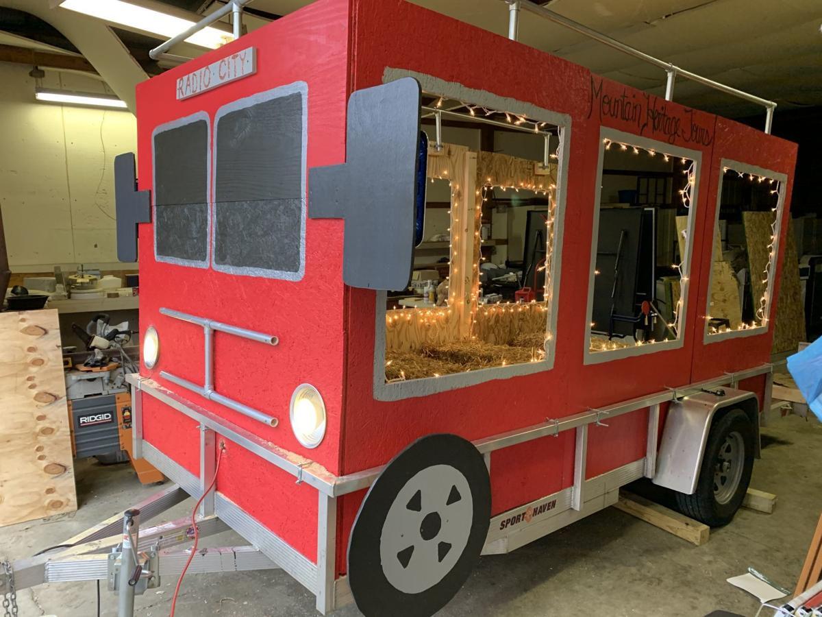'Tis the season for a parade: Waynesboro tradition brings Santa Claus to town