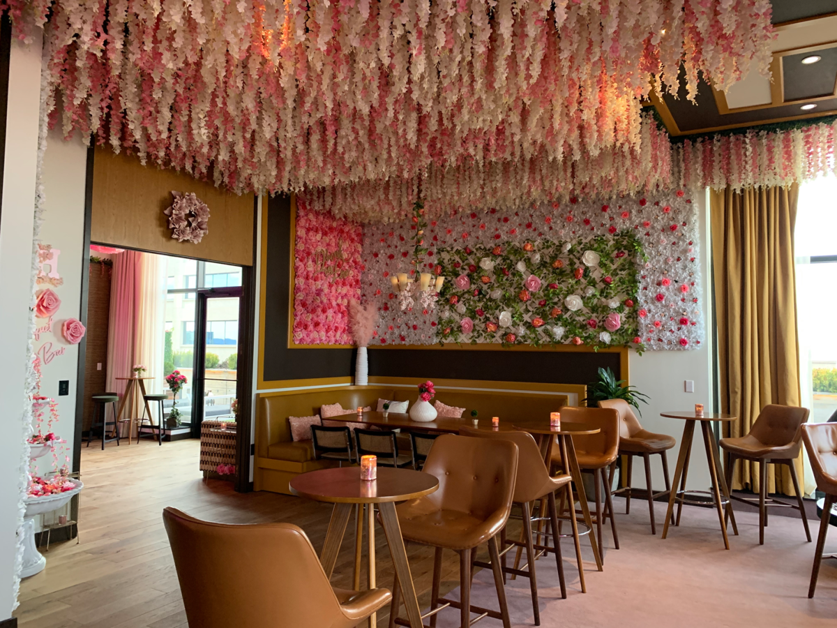 Bouquet Bar Opens at the Fairlane Hotel