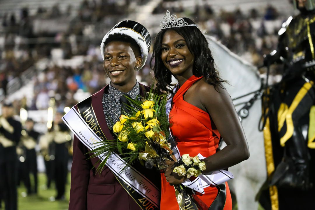 UCF Homecoming King and Queen 1