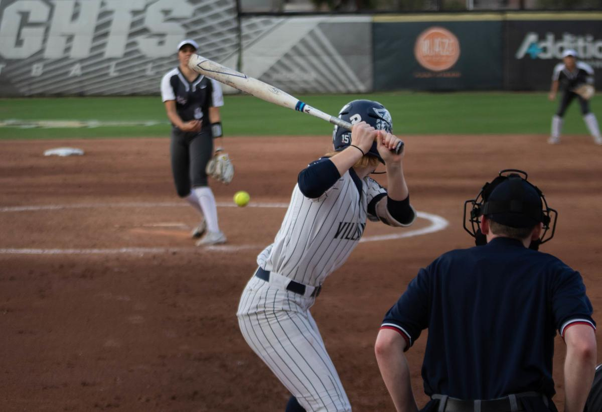 UCF women's softball comes out strong in doubleheader 10