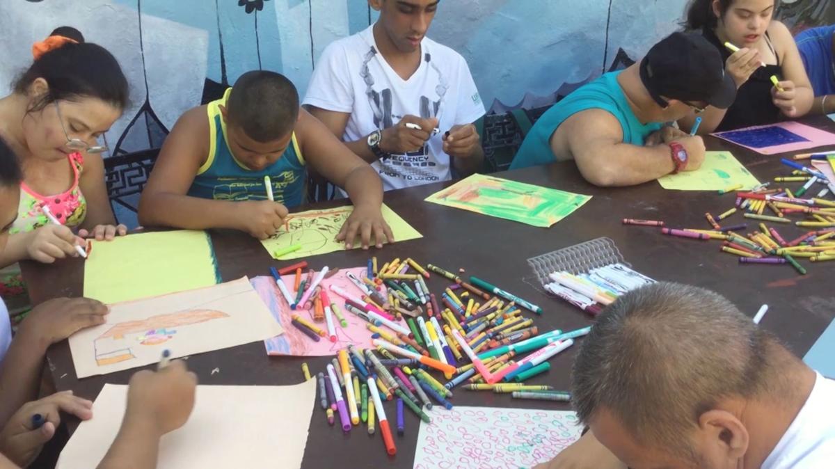 Using art to help children