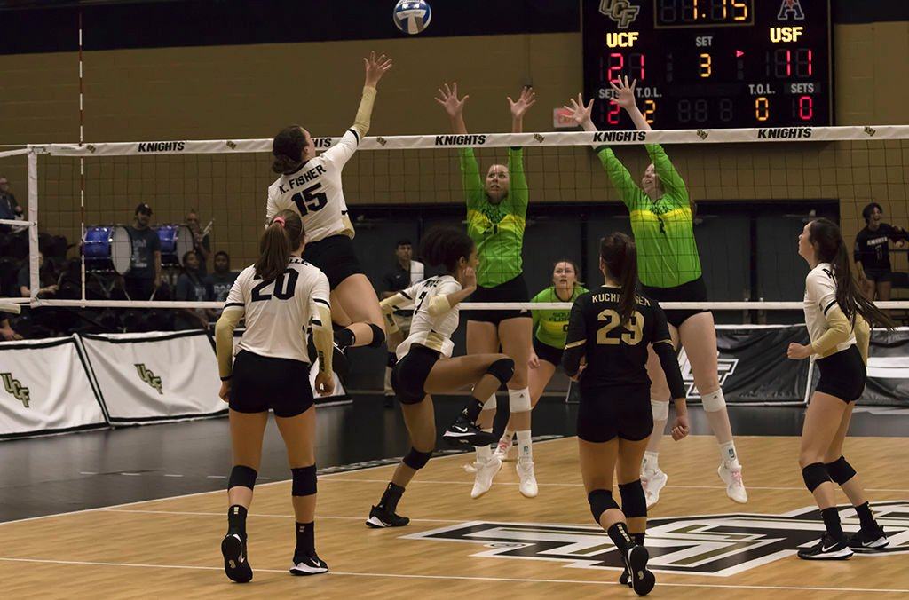 UCF wins its eighth straight game after 3-0 against USF (use)