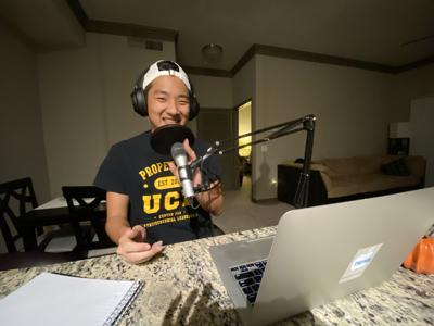 """UCF alumni gives college students the """"cheat codes"""" for navigating college"""