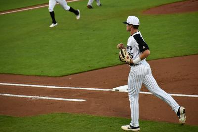 UCF loses to Jacksonville 8-5 after rain delay
