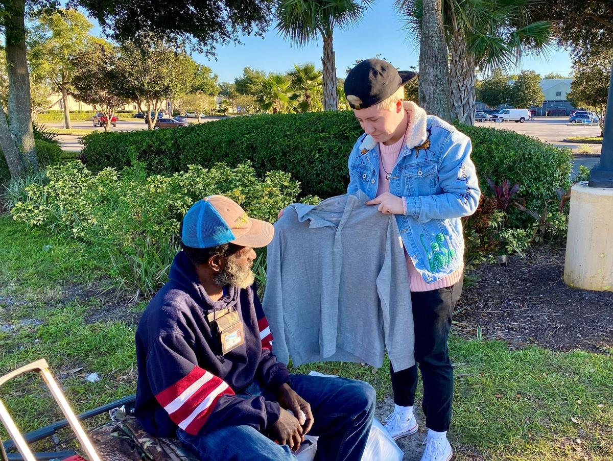 UCF student kicks off the holiday season by giving back