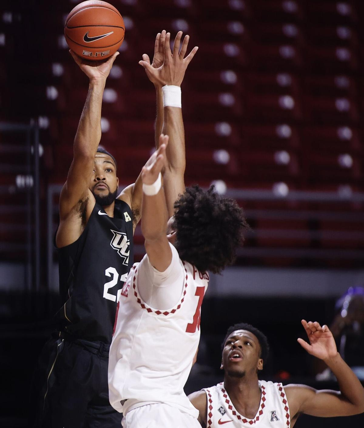 UCF drops third straight game, falls to Temple
