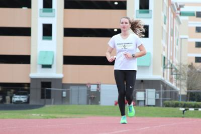 Training to run across the nation, UCF student raises funds for cancer