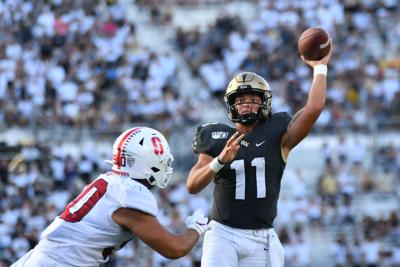Gabriel shines on national stage, leads UCF over Stanford (copy)