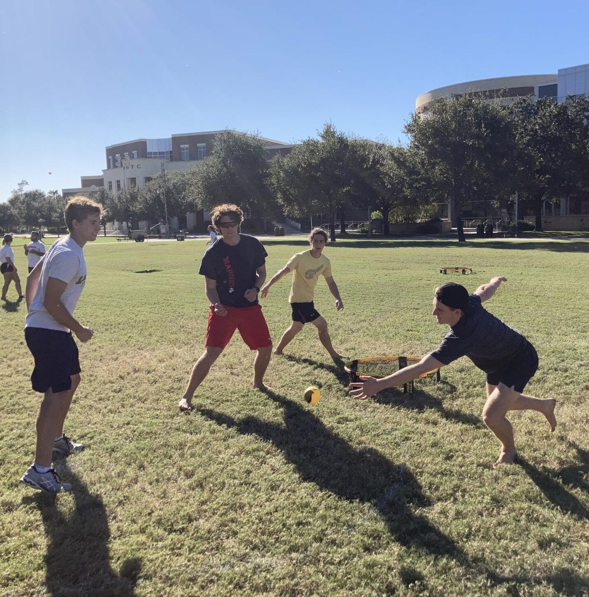 UCF Spikeball club takes over Memory Mall every Tuesday (Thumbnail)