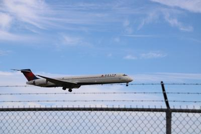 Delta Airlines and United Airlines extend window to use flight tickets amid COVID-19