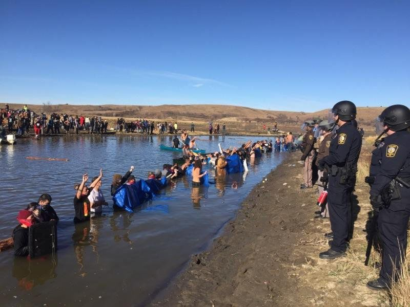 As protest rages on, Obama says Army Corps may reroute Dakota Access Pipeline