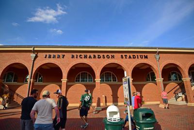Jerry Richardson Stadium, 9/8, Chris Crews, DSC_6635