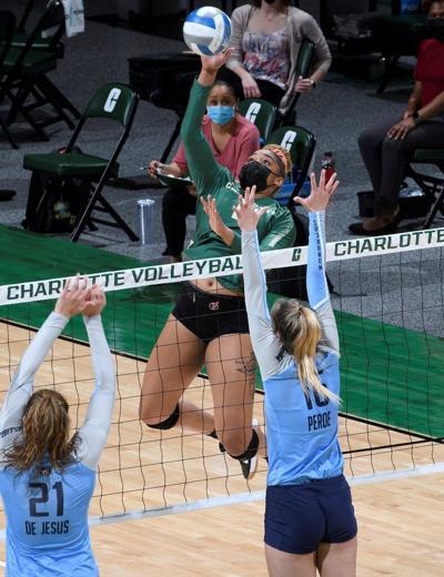 FAU/Charlotte volleyball