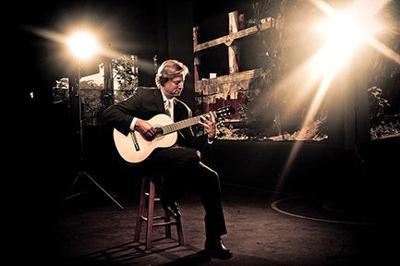 Grammy-Winning Guitarist