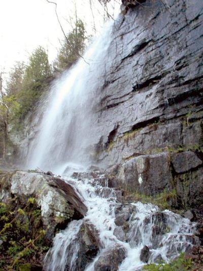 Hiker dies in incident at waterfall