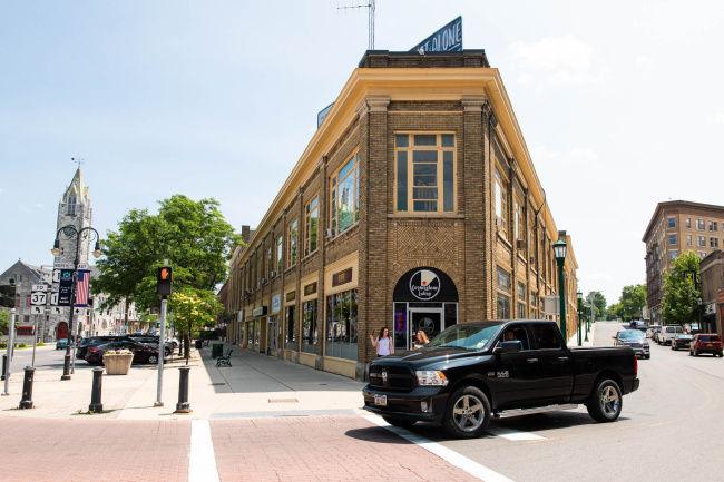 Murray selling 5 city properties