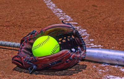 Sugden's baserunning key in Panthers' win
