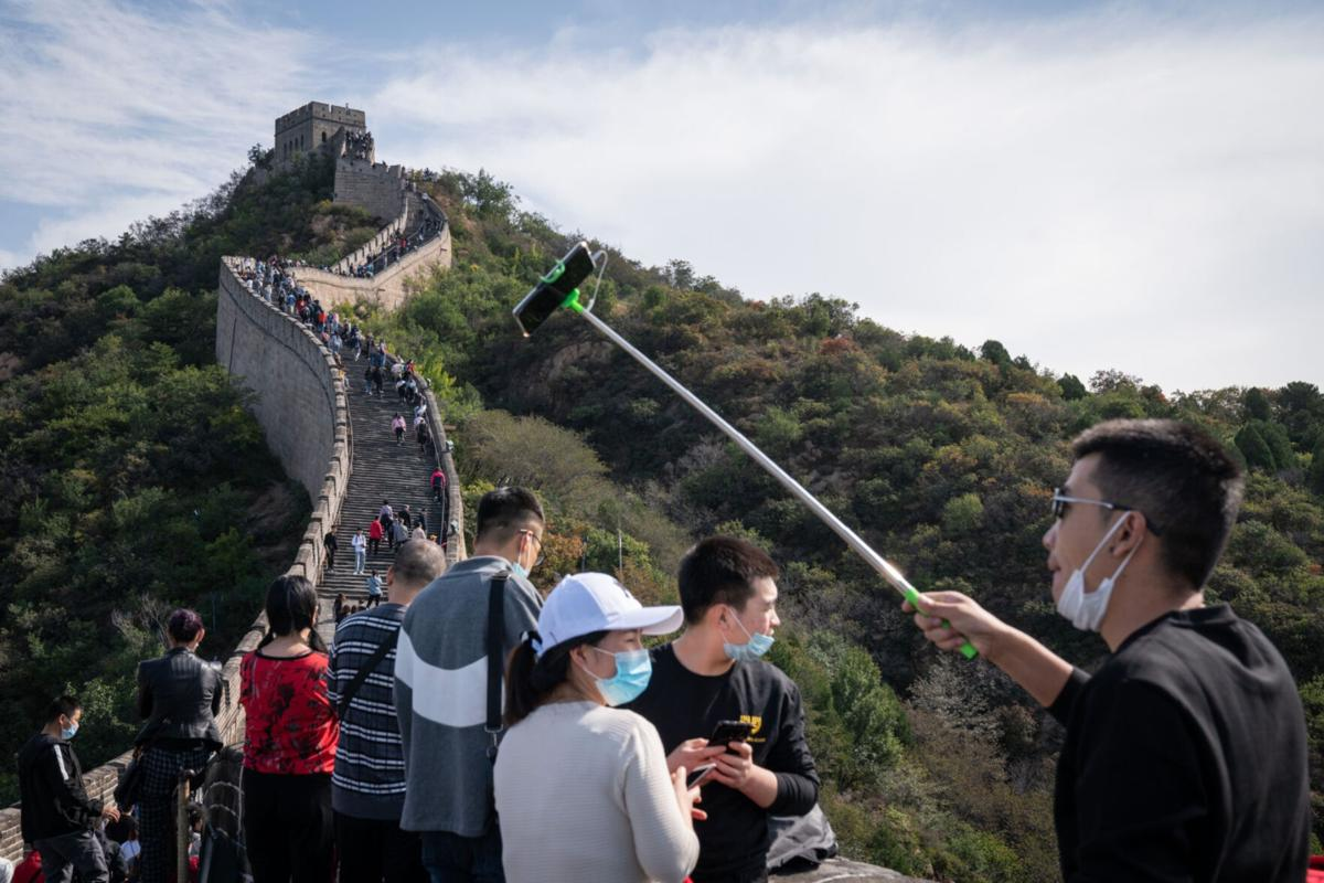 Mass tourism will be roaring back by summer, Expedia CEO says