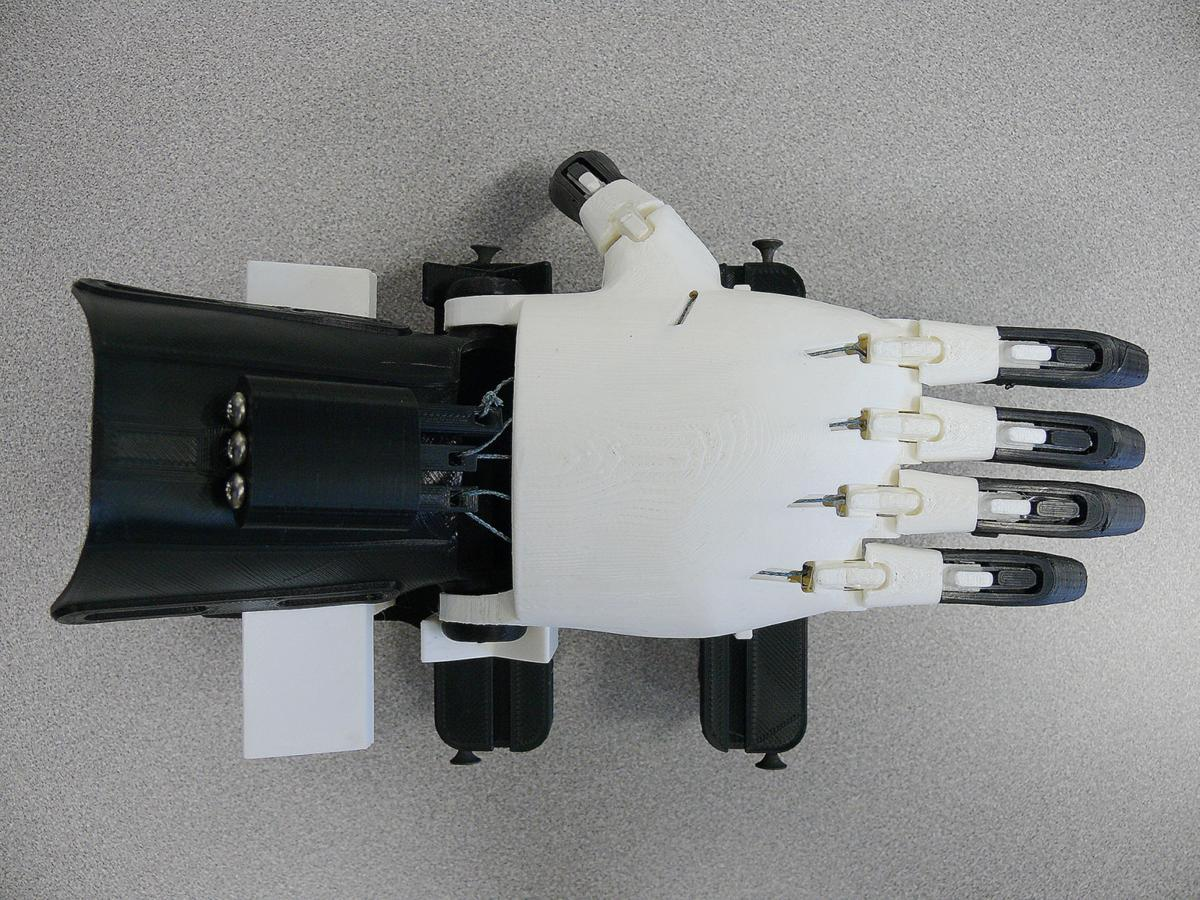 Hand to hand from CiTi's 3D printer