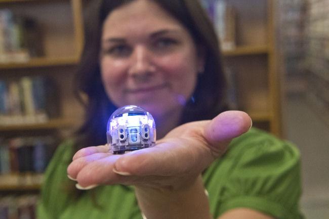 Massena library uses tiny robots