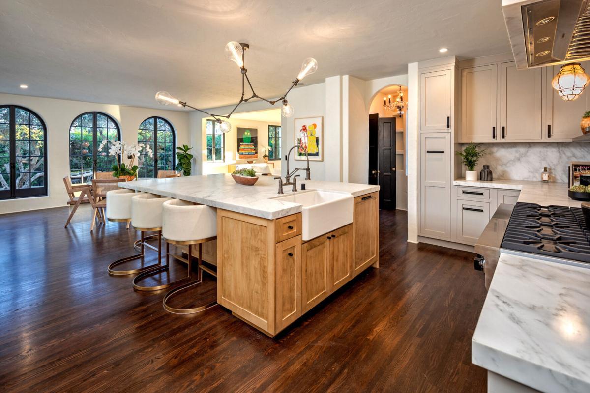 Lori Loughlin, Mossimo Giannulli sell the big house
