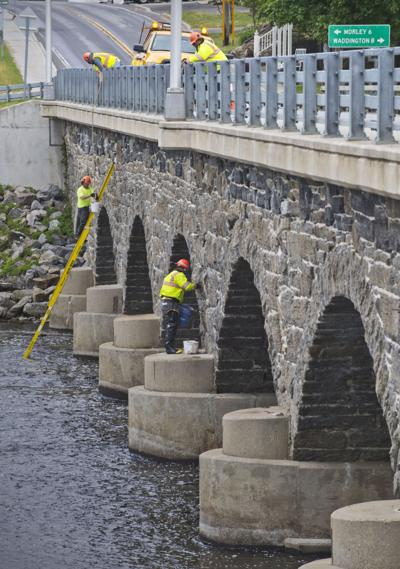 Madrid stone bridge gets needed work