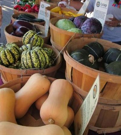 Farmers market seeks vendors