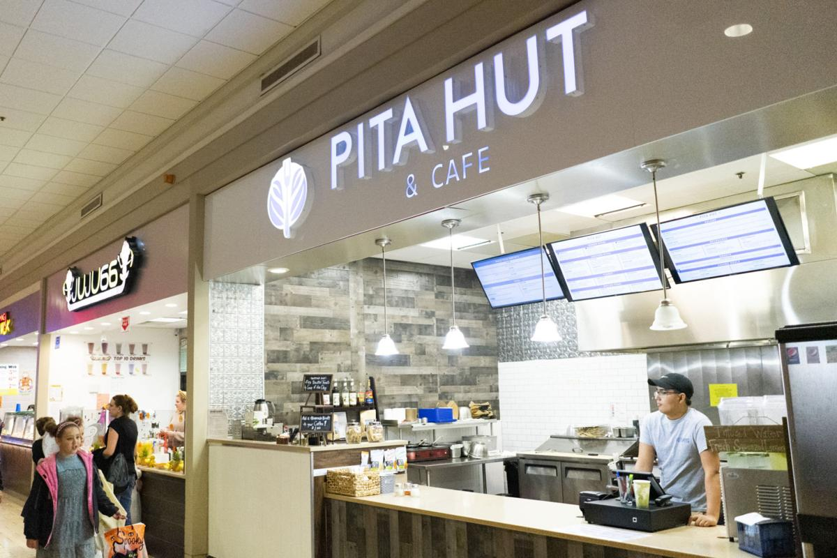 New mall eatery aims for the 'perfect pita'
