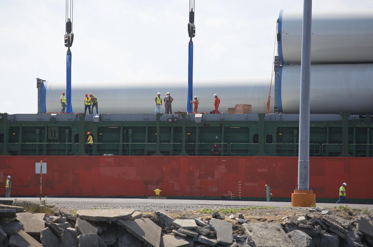 Wind turbine parts arrive in Ogdensburg