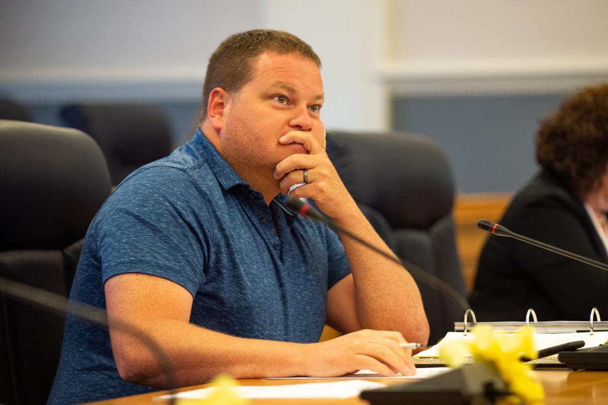 County backs curbs on Cuomo powers