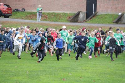 Hundreds race in annual Mexico Middle School Turkey Trot