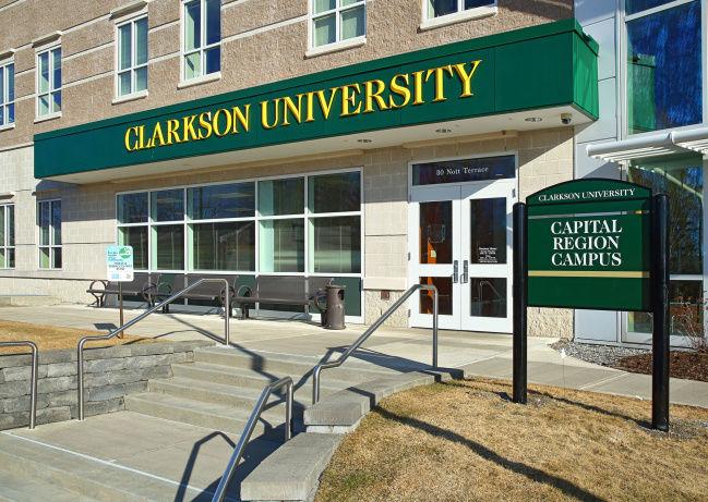 το Πανεπιστήμιο του Κλάρκσον ηλεκτρονικές ιστοσελίδες γνωριμιών εγκλήματα