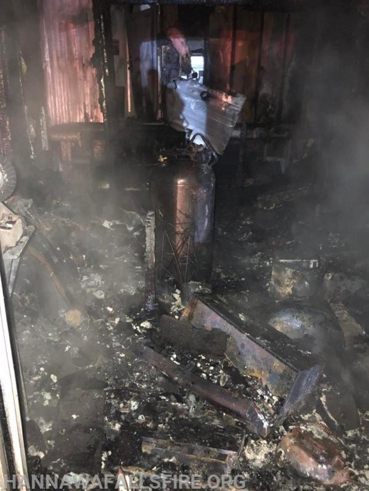 Four escape Pierrepont blaze; firefighters save home