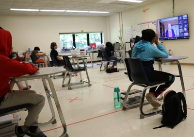 Holocaust survivor Marion Blumenthal Lazan shares experiences with Fulton Junior High School students