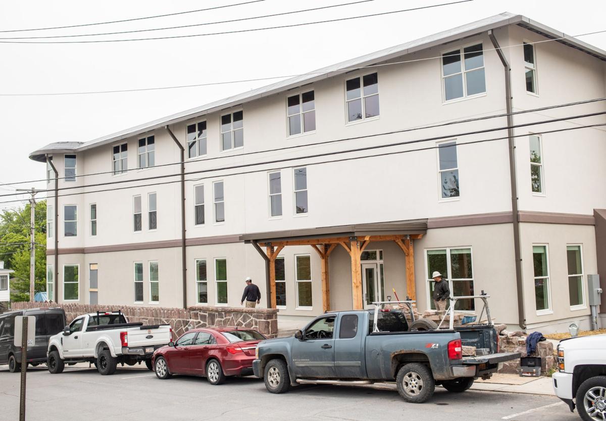0531-wdj-monticellohotelbuilding-1.jpg