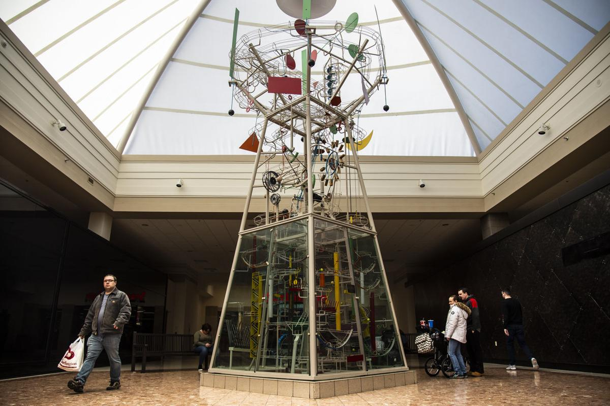 Salmon Run Mall gizmo has mesmerized patrons since 1986