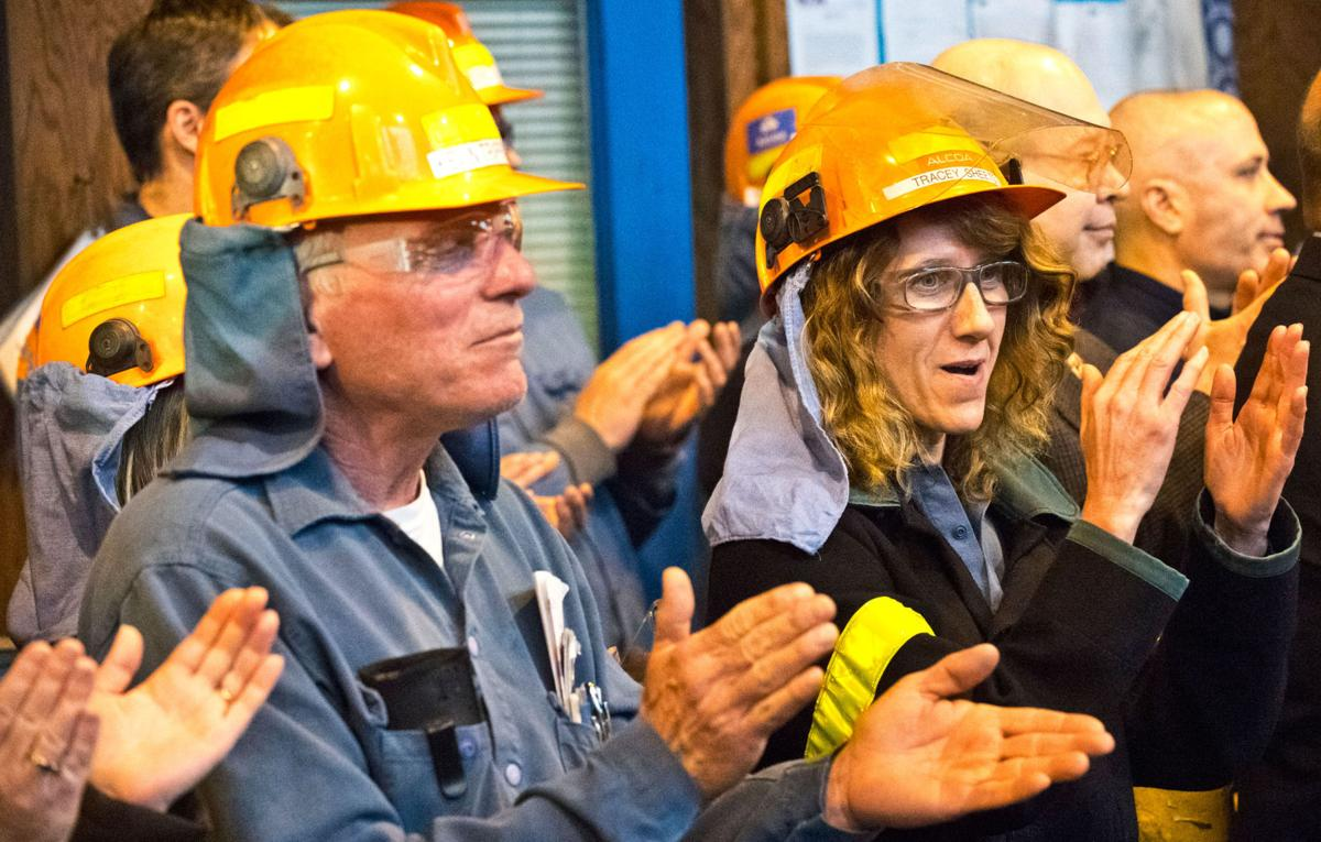 alcoa stays Cuomo, in Massena, announces 7-year deal with