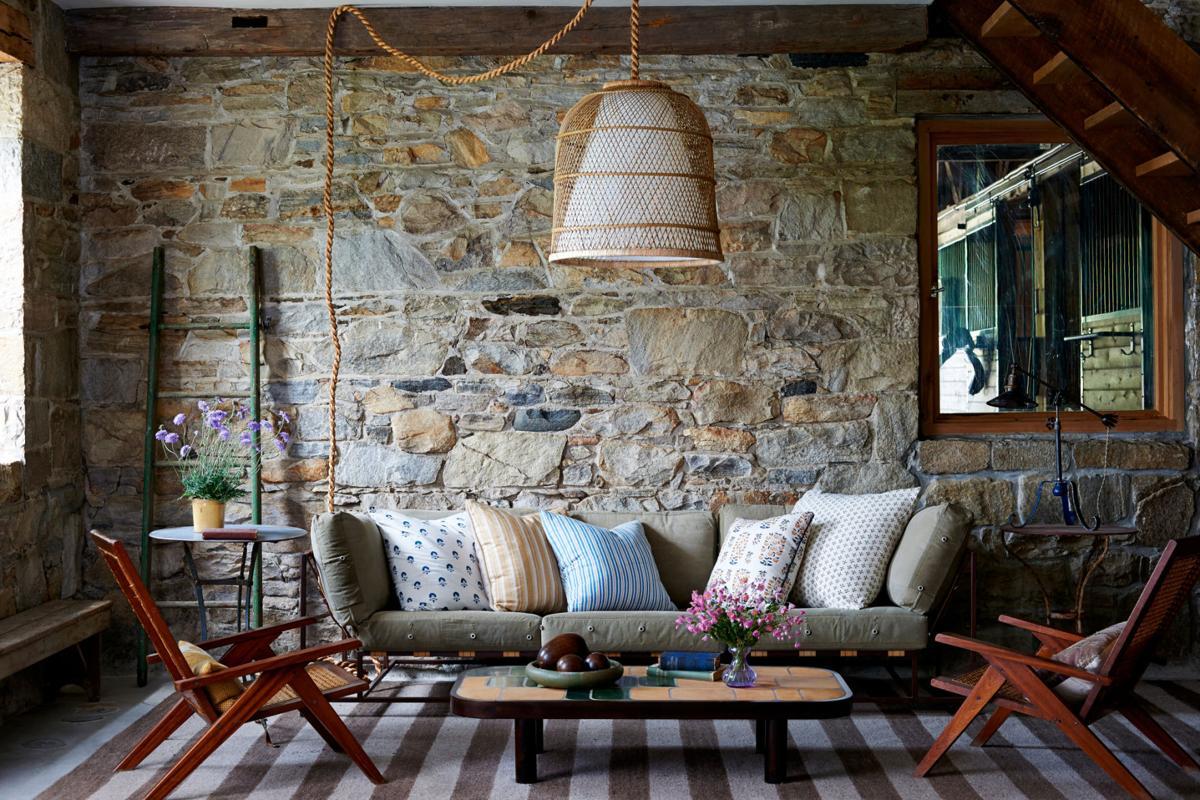Designers share tricks for using decorative pillows