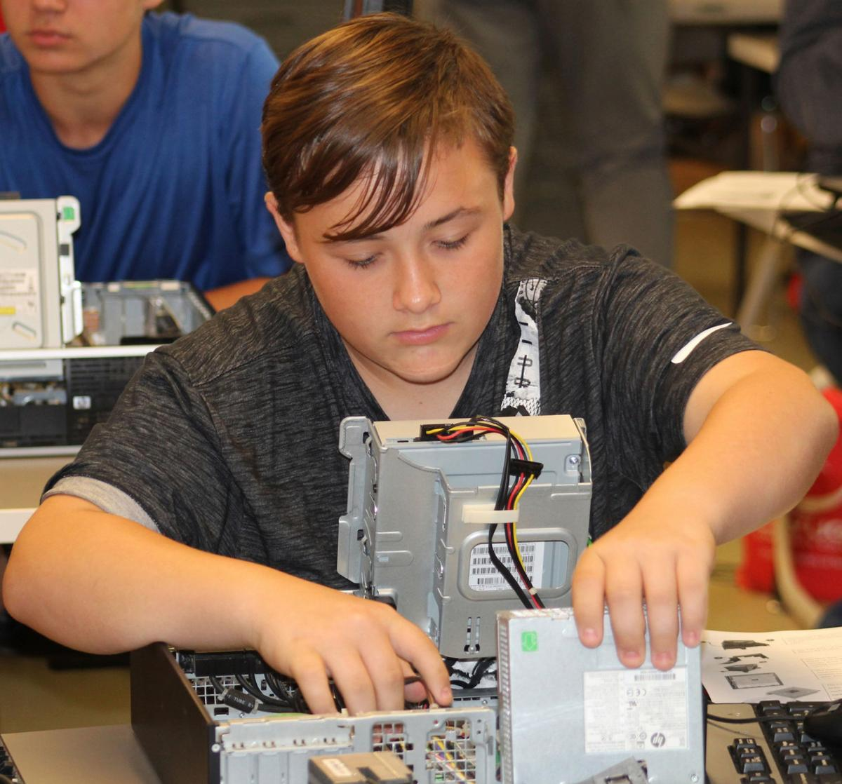 Partnership helping high school students explore IT at Cayuga Community College